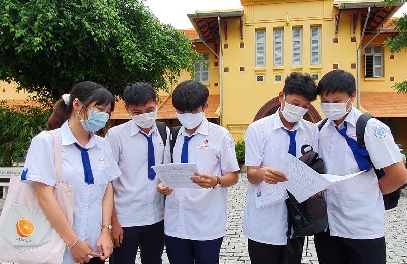 Áo sơ mi đồng phục học sinh cấp 3