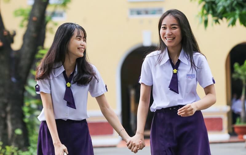 May đồng phục học sinh giúp quảng bá tên tuổi của trường đến với nhiều người hiệu quả mà tiết kiệm